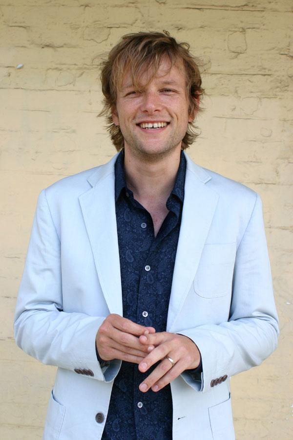 Simon Morel Blue-suit-standing